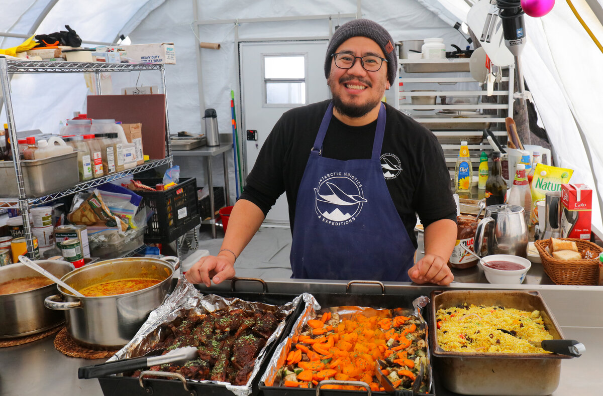 ALE Chef serves a hot meal at South Pole Camp