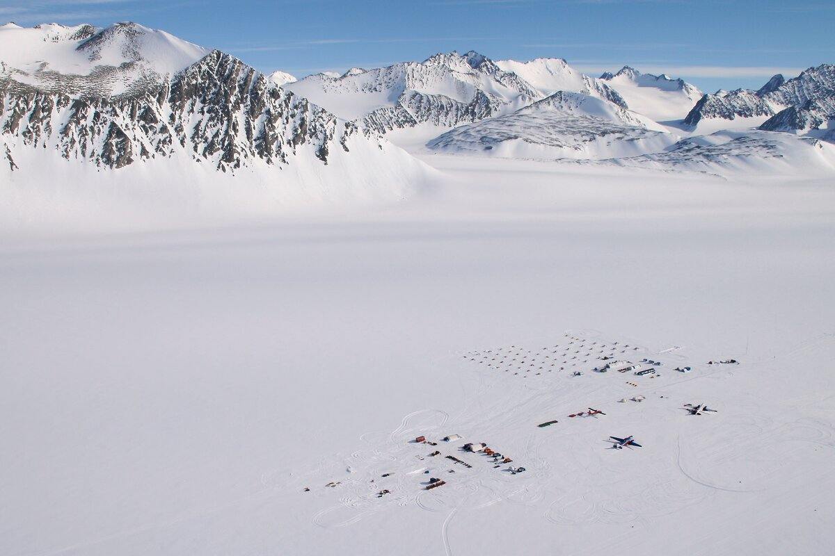 ALE camp moved to Union Glacier, 2010