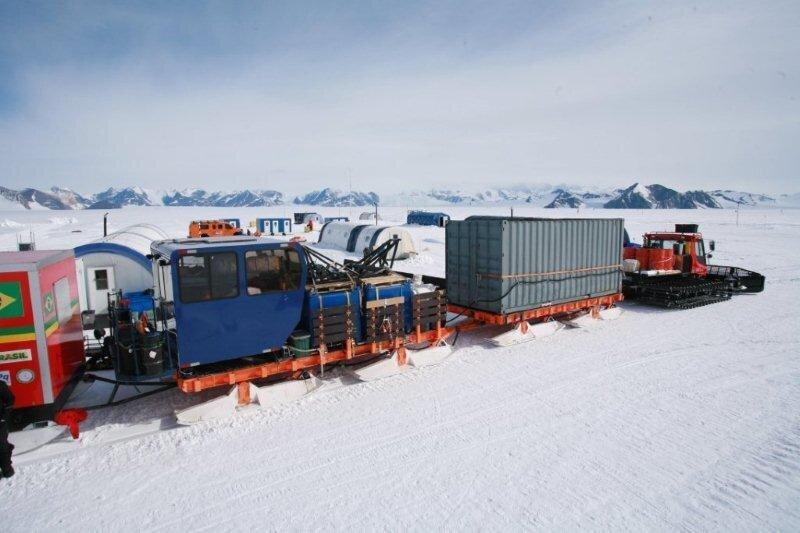 Delivering Brazil's Criosfera module to deep-field site