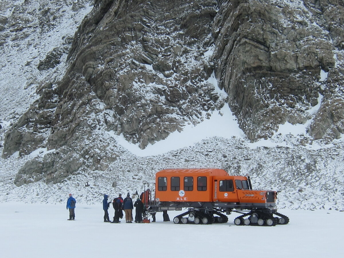 ALE passenger bus at Charles Peak Windscoop