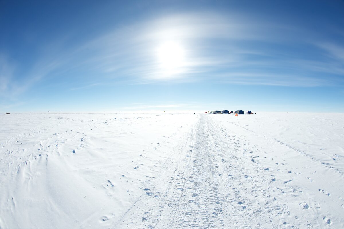 .6 mi (1km) trail from Geographic South Pole to Camp