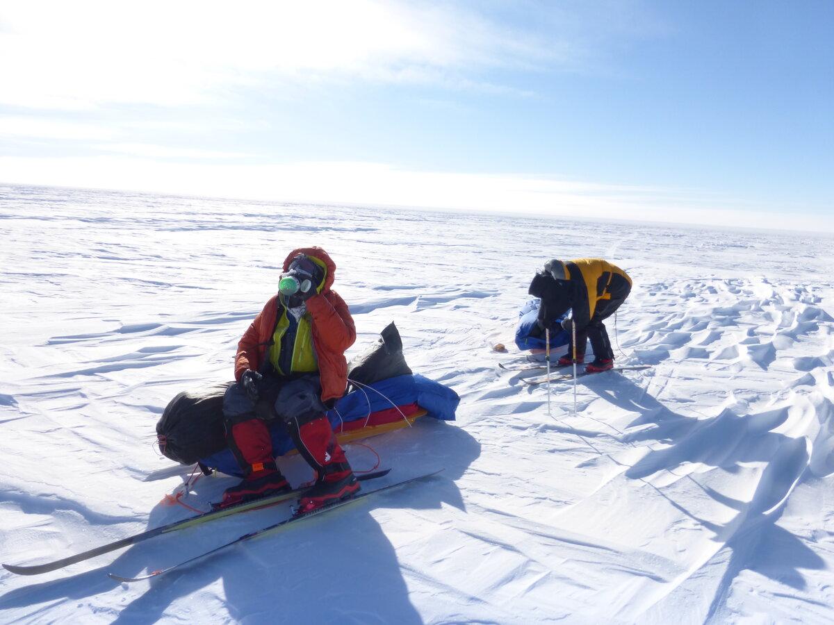 Ski Last Degree guests take a drink break