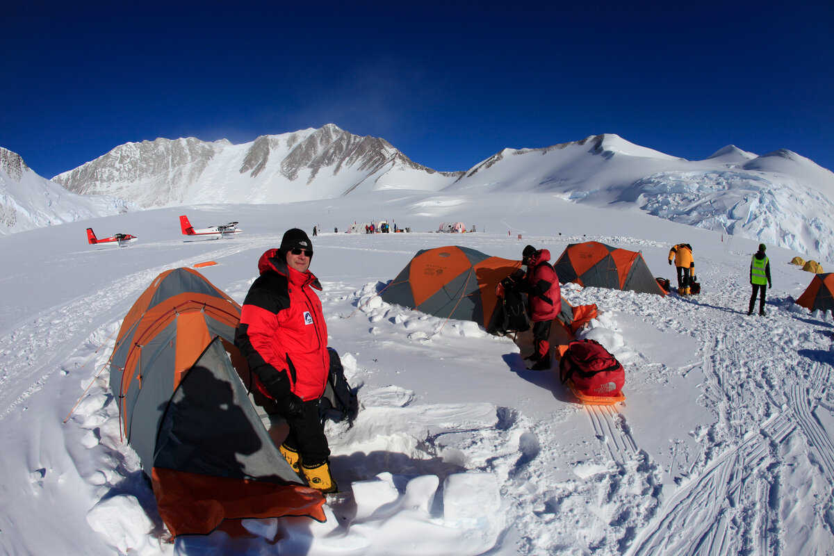 ALE climbers move into their tents