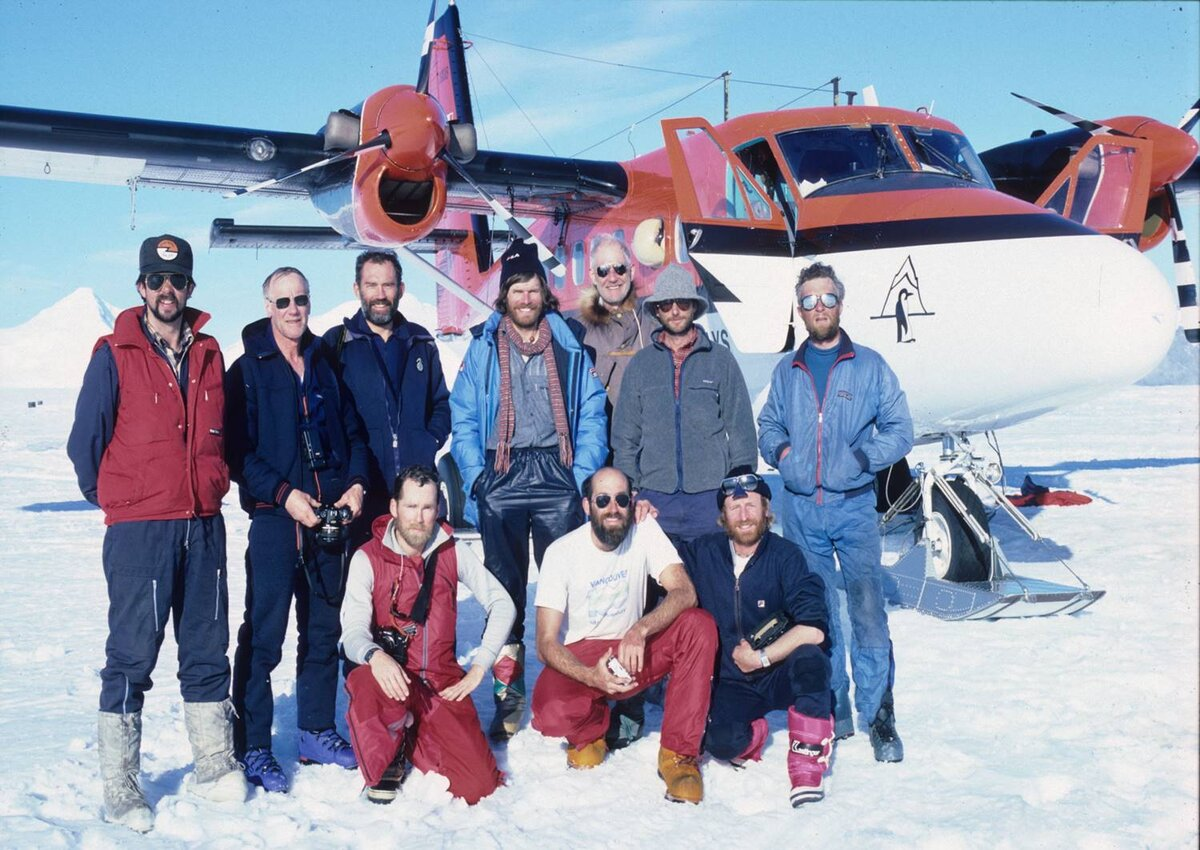 ANI flies climbers to Mount Vinson by Twin Otter, 1986
