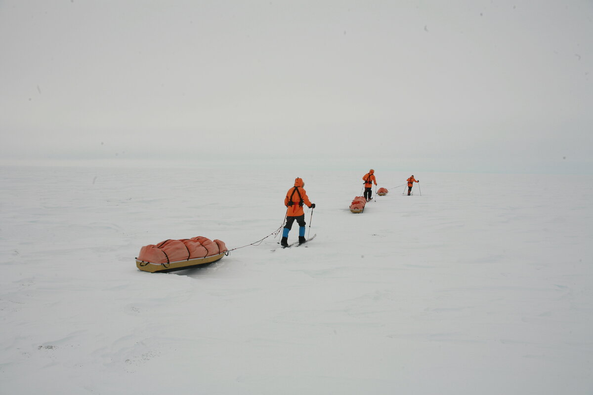 Team sets off in near white-out conditions