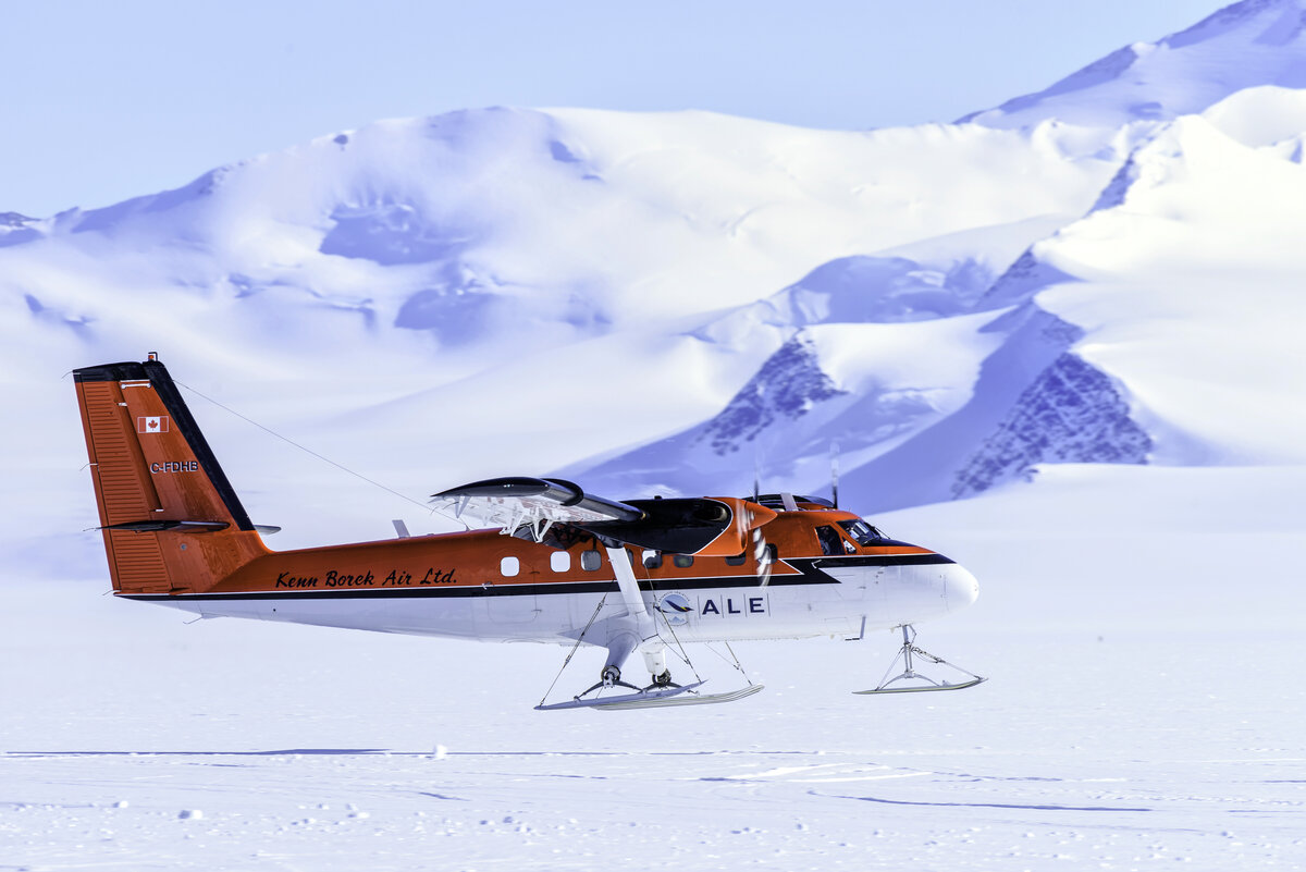 Twin Otter takes off from Union Glacier skiway