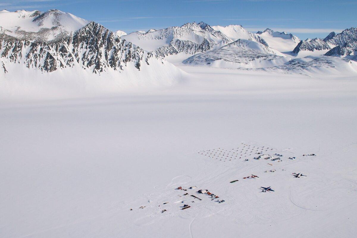 ALE camp moved to Union Glacier, 2010