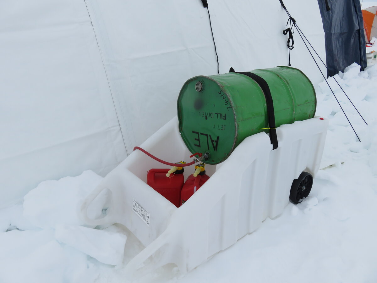 Spill-proof fuel container