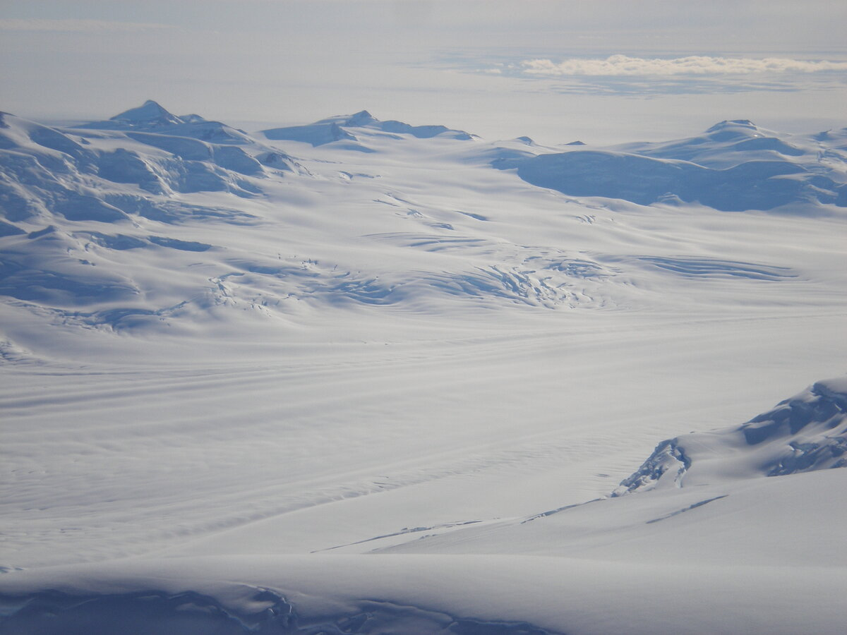 Axel Heiberg Glacier from the air