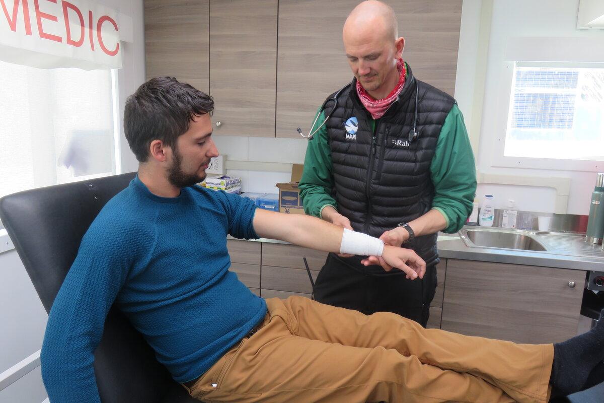 ALE medic treats a minor injury